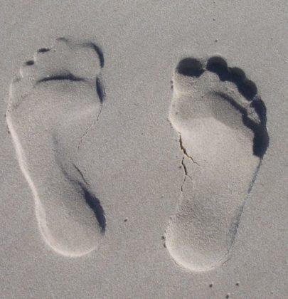We Walk on a Virtual Sand